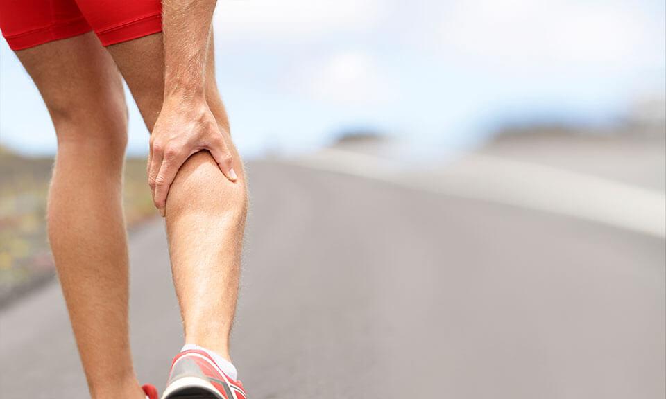 کشیدگی عضله پشت ساق پا